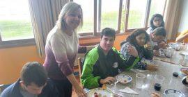 CDL-BG Jovem Promove Ação Social De Páscoa Na Apae
