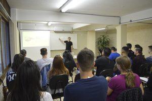 O curso 'Gestão de pessoas como gerenciar conflitos e desenvolver o relacionamento interpessoal' inicia dia 28 de janeiro na CDL – Crédito Exata Comunicação